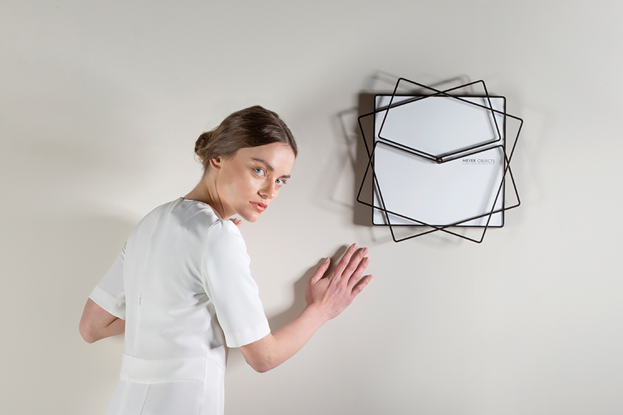 Frame Clock Designed For Stylish Walls Of Modern Houses.
